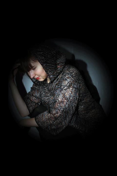 Destitch Fabric -The Hoodie Tail - Photo Credit: Nadia von Schaedtler