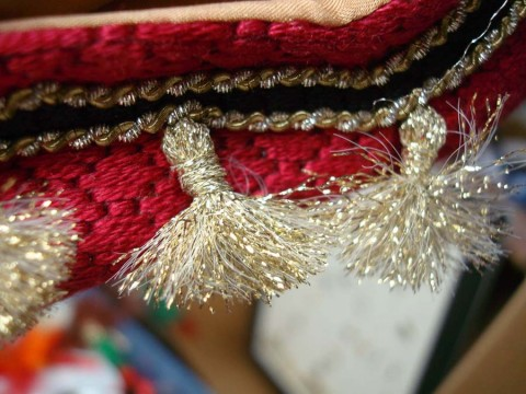 Fray thread ends to create tassels.