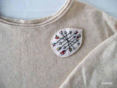 Arrows Brooch by Rivulette (Hand Embroidery)