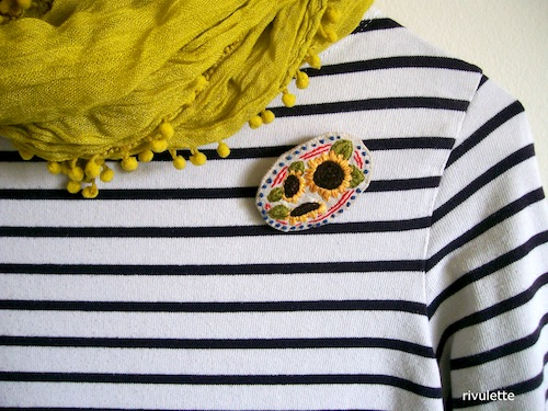 Sunflowers Brooch by Rivulette (Hand Embroidery)