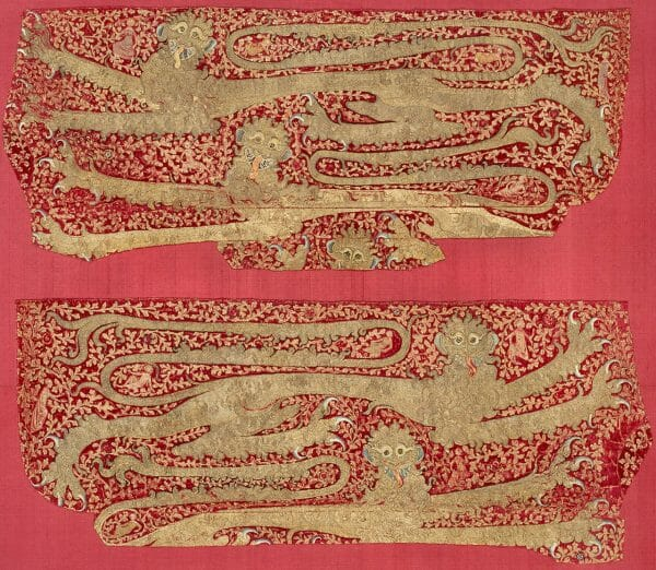 Opus Anglicanum horse trapper embroidered in shiny golden lions. Embroidered in England between 1330- 1340.