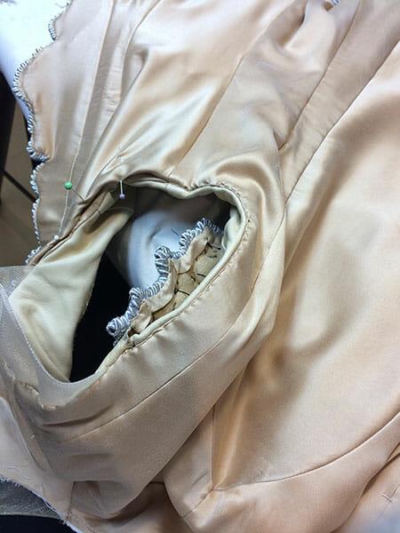 Garment assembling, Ami Waring