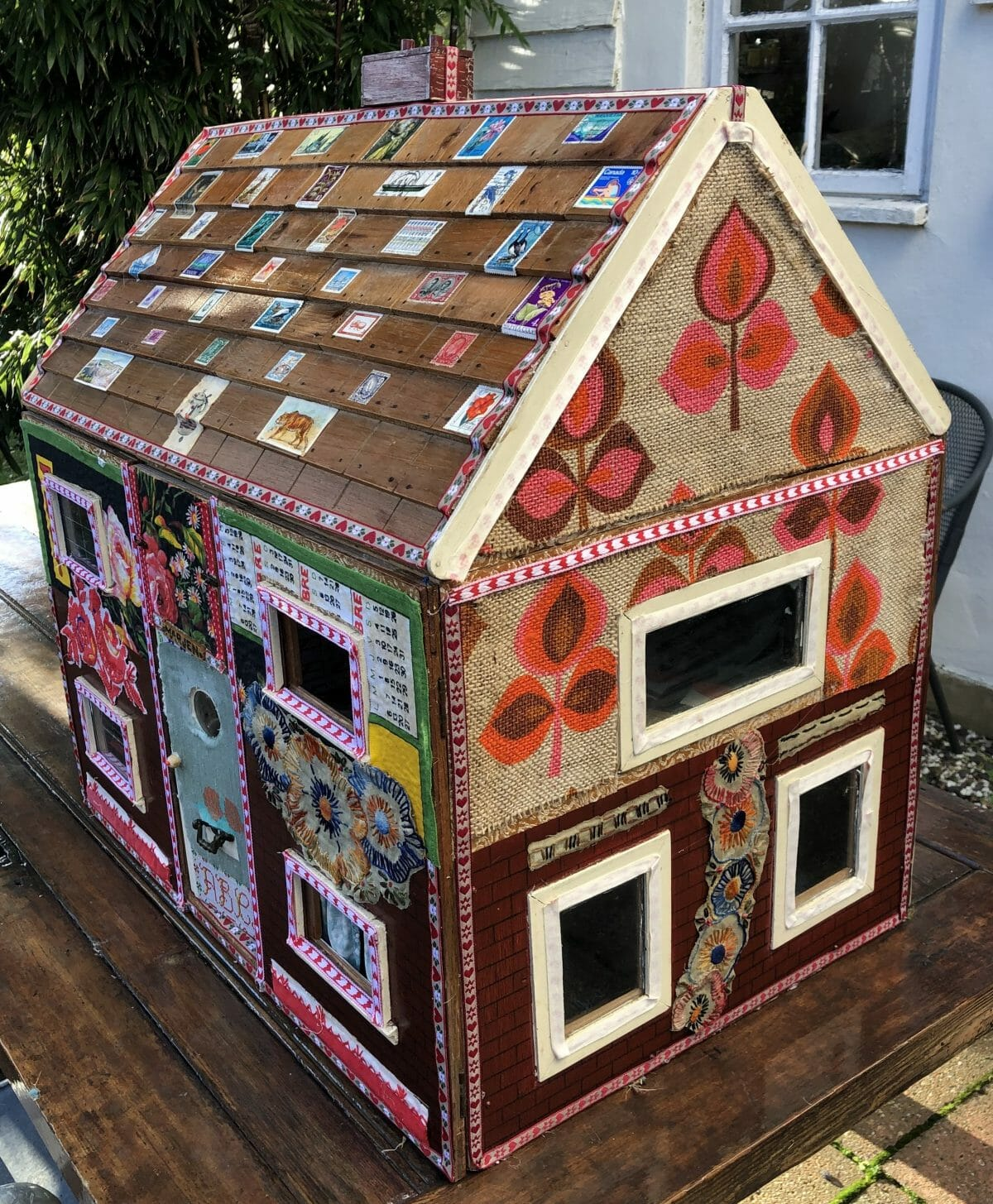 Quilty Pleasures – Dolls Houses – Anne Kelly