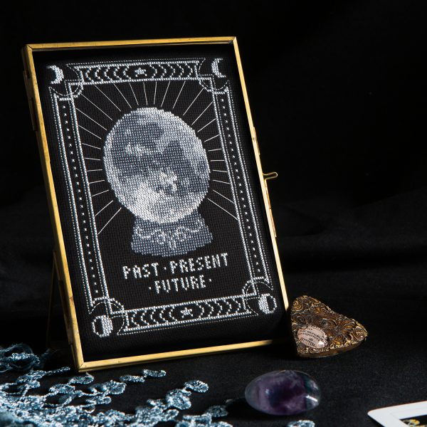 Tiny Modernist - Fortune Teller from Issue 13: Fortune